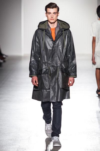 dash-magazine-6.-Fashion-In-Motion-Christopher-Raeburn,-1-April-2016-(c)-Victoria-and-Albert-Museum,-London